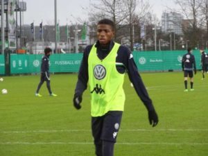 Victor-Osimhen-training-at-Wolfsburg
