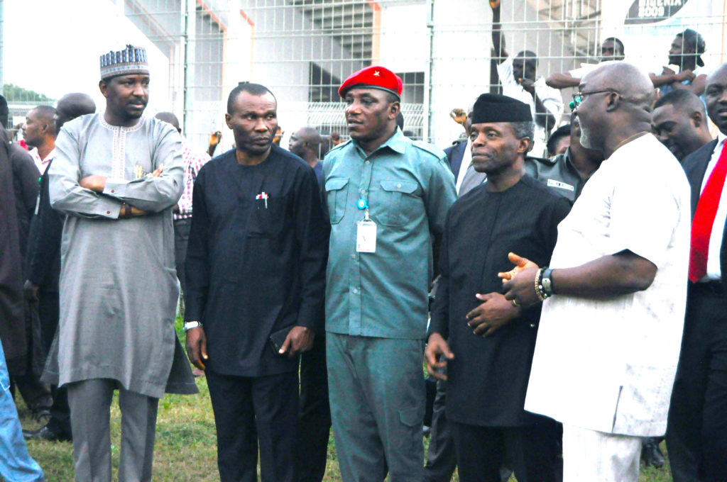 Pinnick WIth Nigeria's Vice President Prof. Yemi Osinbajo and other dignitaries at the Super Eagles camp before the game against Algeria