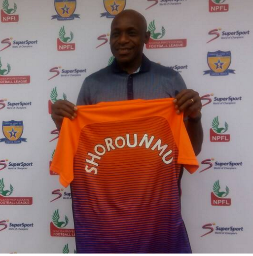 Former Super Eagles Goal keepers' trainer Ike Shorounmu was also unveiled at Sunshine Stars