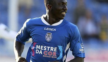 Etebo in the colours of his Portuguese side, CD Feirense