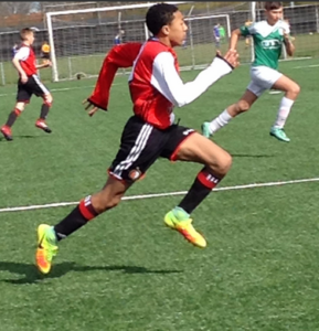 Omidiji Jr in training with Feyenoord U15