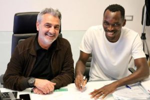 Simy pens new 3-year deal with Crotone FC